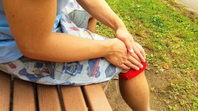 膝を曲げたり伸ばしたりすると引っかかりや違和感がある…それは膝離断性骨軟骨炎かもしれません!