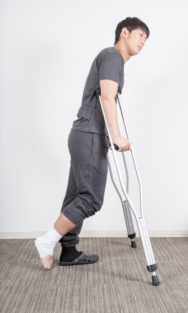 足首の骨折や脱臼をそのままにしていませんか?